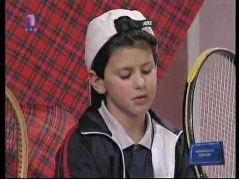 Fili d'erba, servizi vincenti e antiche certezze: Djokovic risorge nella cattedrale del tennis